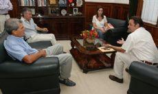 La macrista Mar�a Eugenia Vidal junto al intendente Celillo de General Alvear y el ex alcalde de bBol�var, juan carlos sim�n. El PRO busca sumar a m�s radicales