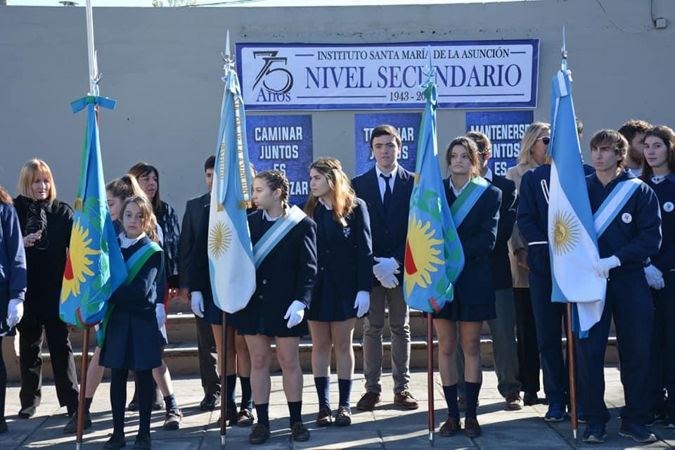 El intendente Francisco Durañona estuvo presente en el la celebración del 75º aniversario del nivel secundario del Instituto Santa María de la Asunción.