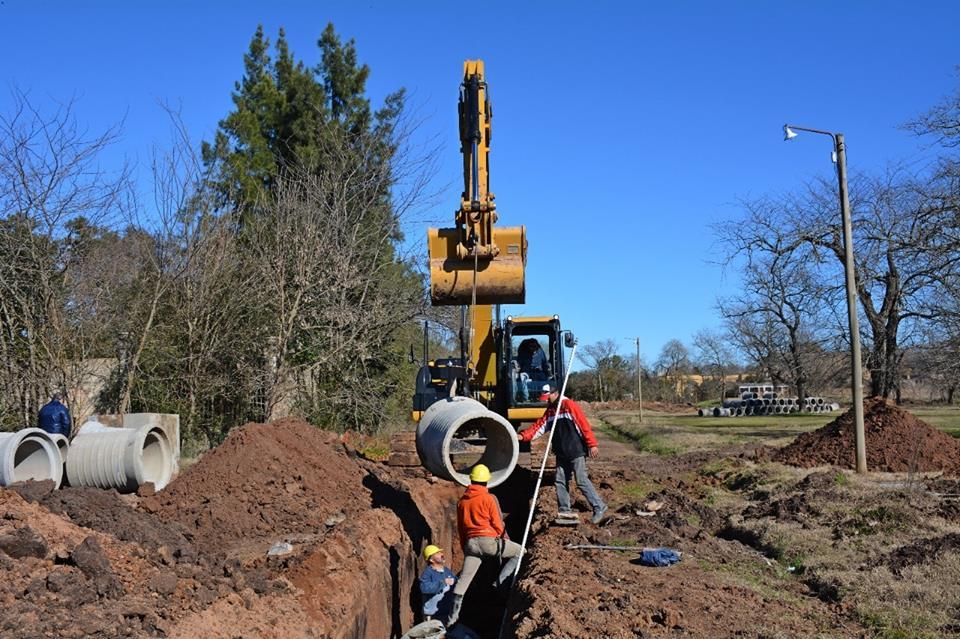 Siguen los intensos trabajos en los desagües pluviales, luego de los cuales se realizará el asfaltado de las calles que desembocan en Zerboni y en Smith.