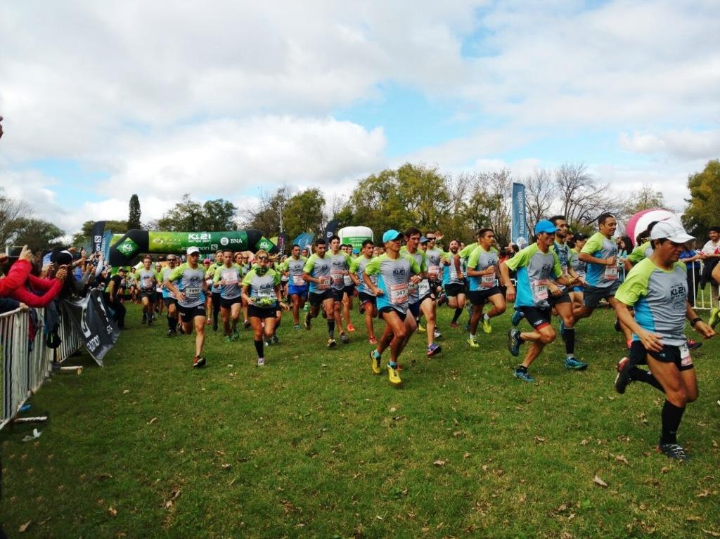 Más de mil corredores participaron este domingo de la Salomon K21 Series, tercer mega-encuentro de este tipo que se realiza en nuestra ciudad en los últimos años.