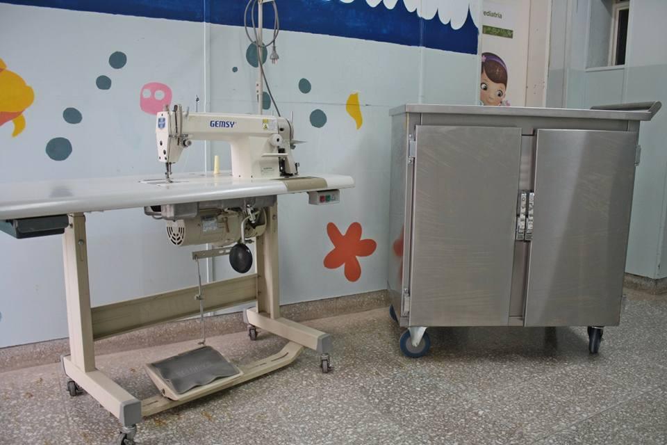 Este martes, el Hospital Zerboni recibió una máquina de coser y un carro esterilizador que fueron comprados por su Cooperadora.