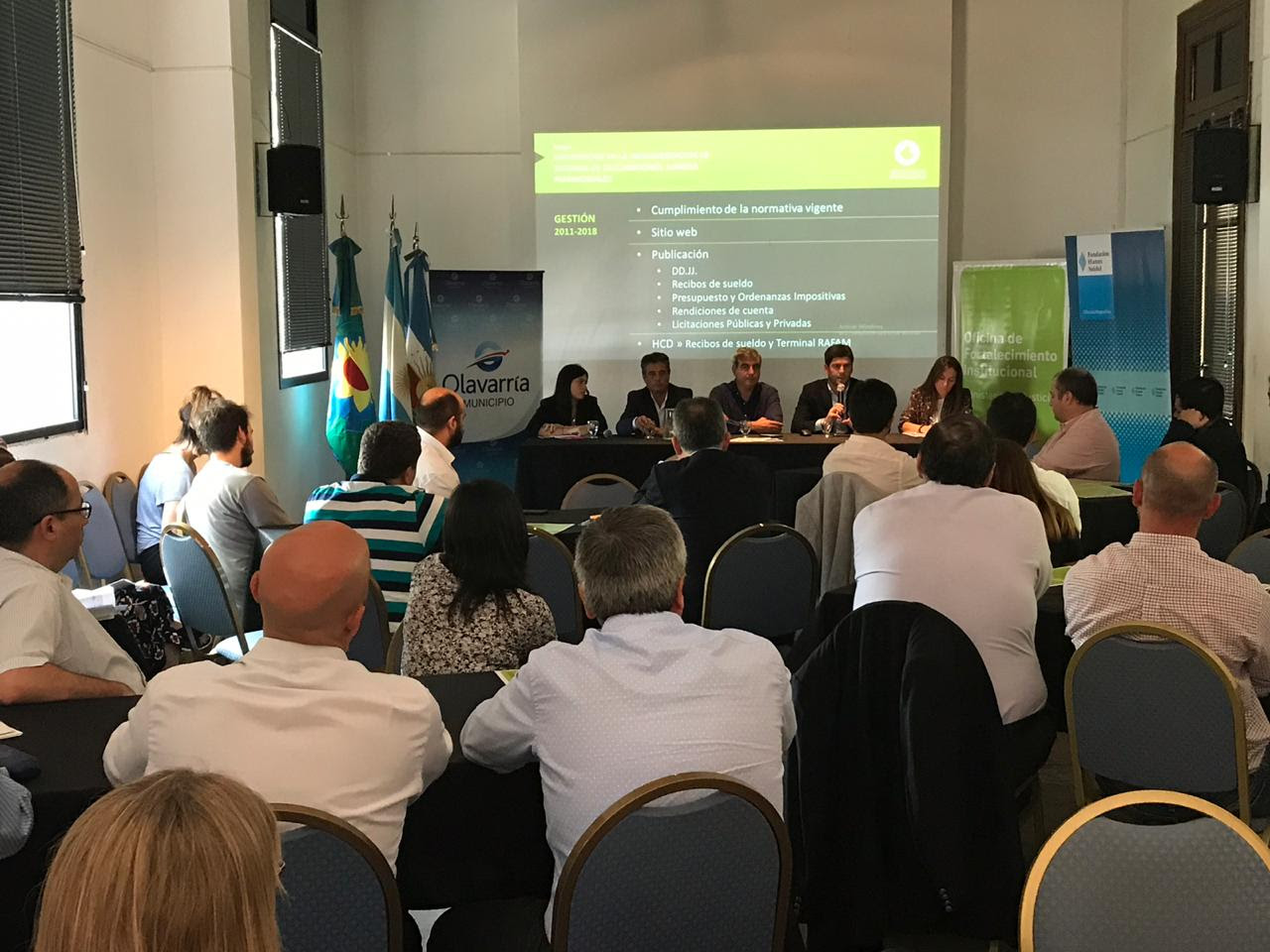 El viernes pasado, el intendente Francisco Durañona participó del II Encuentro de Equipos Técnicos Municipales de Buenos Aires Transparente en Olavarría.