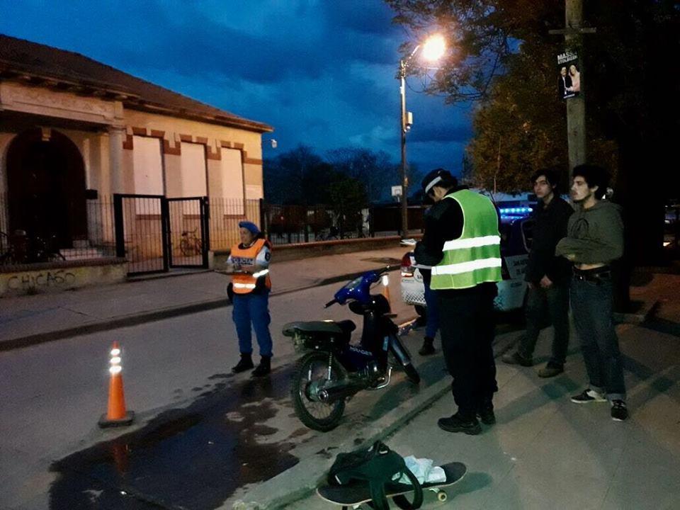 Este martes por la tarde, inspectores municipales, Policía local y personal de la Agencia Nacional de Seguridad Vial secuestraron cinco motos con escape libre y una por falta de documentación en un operativo conjunto en el centro de la ciudad.