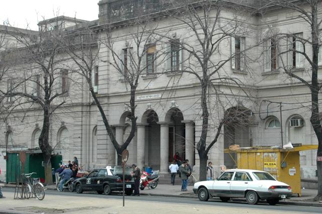 El diputado provincial del GEN-Progresistas, Jorge Santiago, presentó dos iniciativas parlamentarias, un  Proyecto de Declaración y un Pedido de Informes, que ponen el foco en el funcionamiento del Hospital de Niños de La Plata.