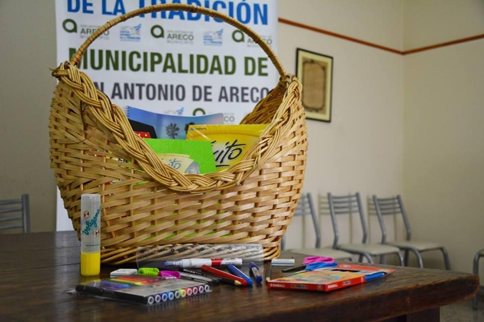 El municipio, junto al Centro del Comercio, Propiedad e Industria de San Antonio de Areco, presentó el programa de Precios Cuidados de Librería 2019, para que las familias locales puedan acceder a beneficios a la hora de adquirir los productos necesarios para el inicio del ciclo lectivo.