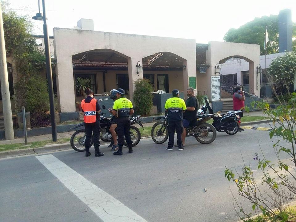 Este jueves por la tarde, en operativos realizados  en distintos puntos de la ciudad, se secuestraron 10 motos con escape libre y sin documentación.