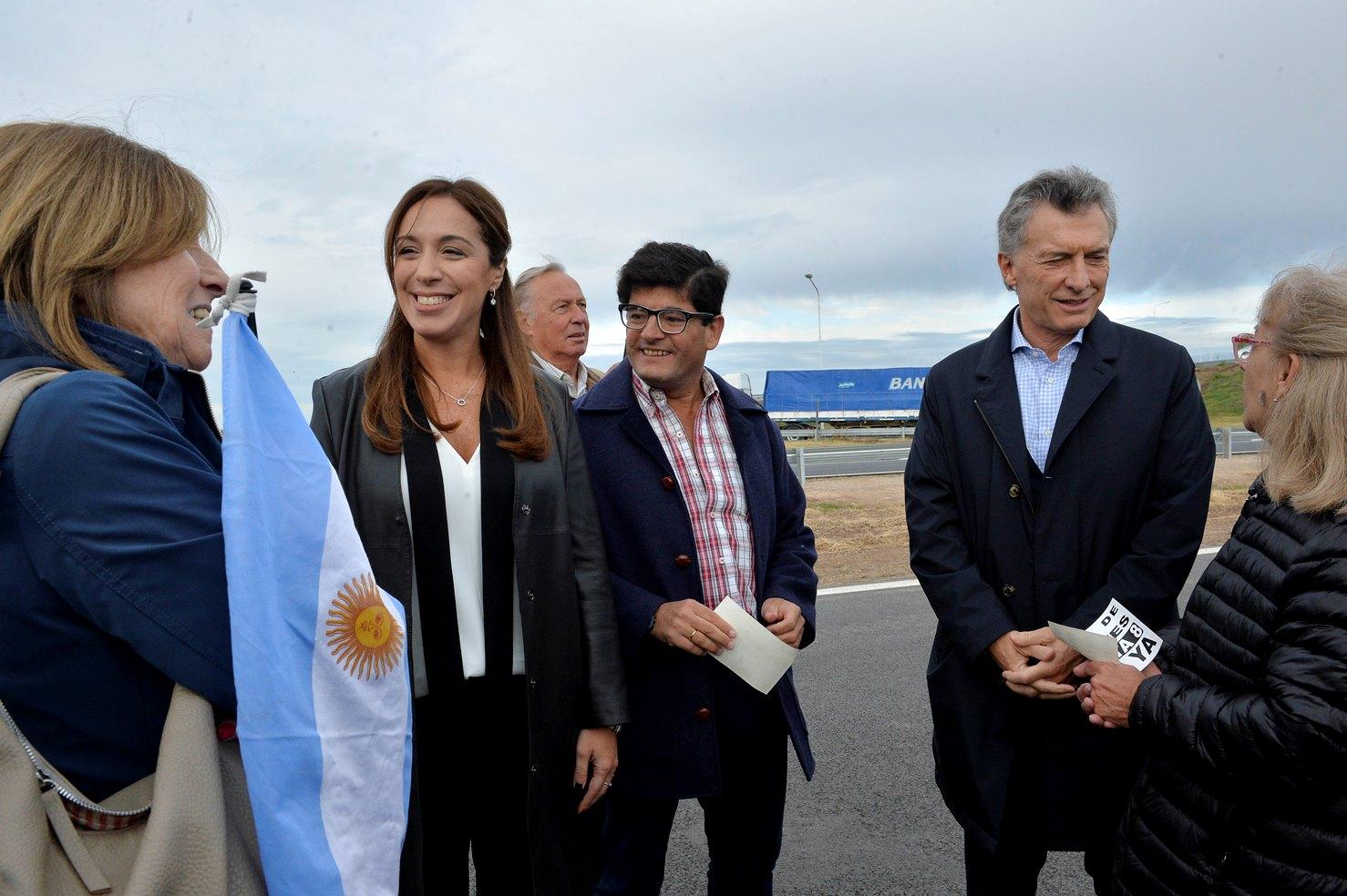 Vidal acompañó a Macri en una recorrida por la autopista Pilar-Pergamino
