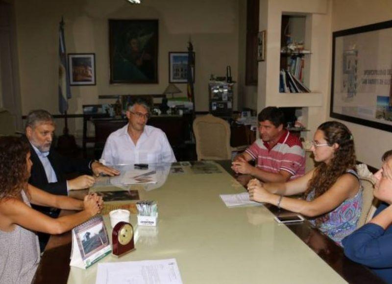 La Universidad y el municipio firmaron un convenio marco tendiente a la realización de estudios, investigaciones y/o acciones.