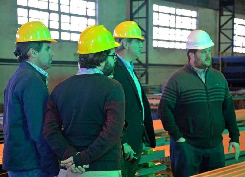 La empresa se dedica a la producción en acero cortado y doblado a medida.