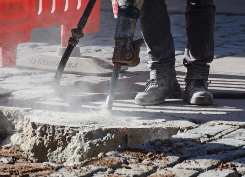 La Municipalidad de San Antonio de Areco continúa con las obras de rigor en las distintas calles de la ciudad.