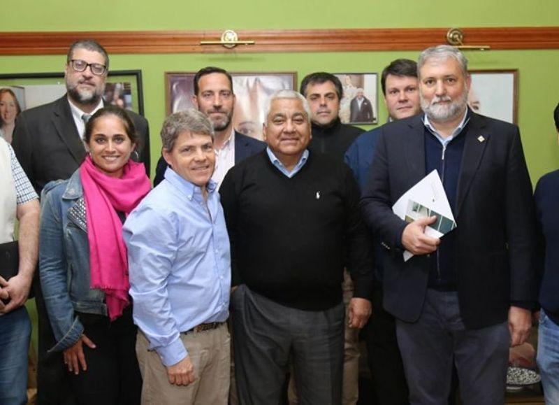 El acuerdo fue rubricado por el rector Jerónimo Ainchil y por intendente municipal Cecilio Salazar.
