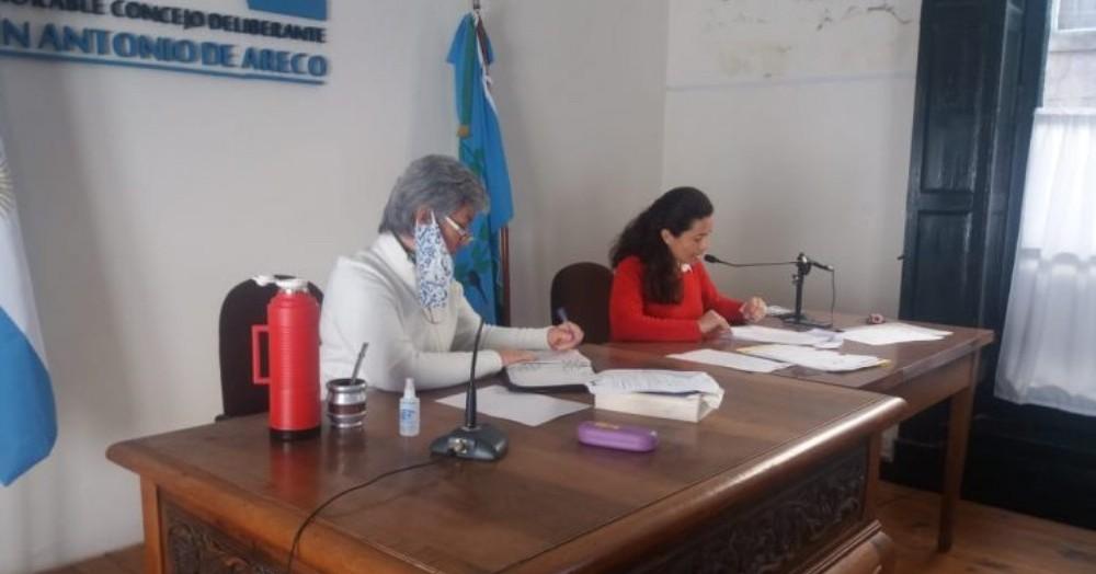 Hubo un debate promoviendo sugerencias por parte del Frente de Todos y respectivas defensas del mismo desde el bloque de Juntos por el Cambio.