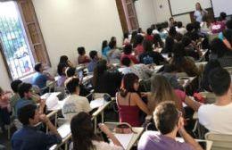 Otros 150 estudiantes se encuentran en proceso de evaluación para las becas Progresar e YPF.