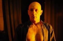"""La Municipalidad invitó a ver """"Hamlet en uno"""" de manera virtual"""