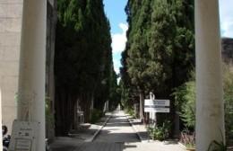 Algo huele mal en los cementerios municipales de Zárate