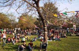 Areco festeja junto a estudiantes y adultos mayores con actividades gratuitas