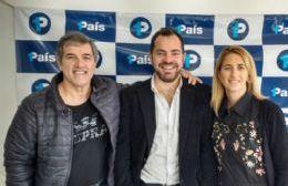 Paula Suárez y Aldo Menconi junto a el primer candidato a diputado provincial por 1País, Lisandro Bonelli.
