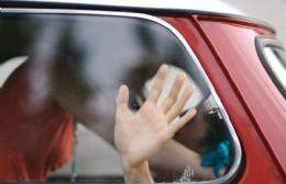Los movimientos bruscos de la pareja dentro del rodado habrían desactivado el freno de mano.