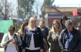Margarita Stolbizer recorrió los barrios acompañada por los candidatos locales y militantes de esa fuerza.