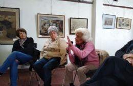 El relevamiento de historias se desarrolló en la biblioteca Moreno, con actividades en torno a la práctica de narración oral, la lectura en voz alta y la grabación.