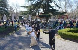 Se celebró el Día Mundial del Folklore en la Plaza Ruiz de Arellano
