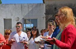 Enfermeros y enfermeras de la ciudad participaron del emotivo acto.