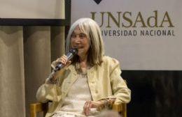 María Kodama compartió reflexiones, anécdotas e historias con el numeroso público que concurrió al Museo La Lilas de Areco.