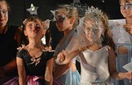 a Escuela Municipal de Danzas despidió su ciclo lectivo número 50.
