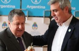 Ramón Puerta, embajador en España, recibió a Durañona en Madrid