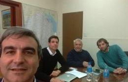 El intendente Francisco Durañona en reunión con autoridades locales y provinciales.